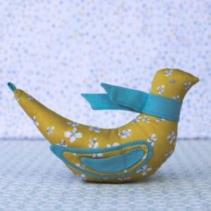 L'oiseau chanteur, un sujet d'éveil et un élément de décoration à faire soi-même