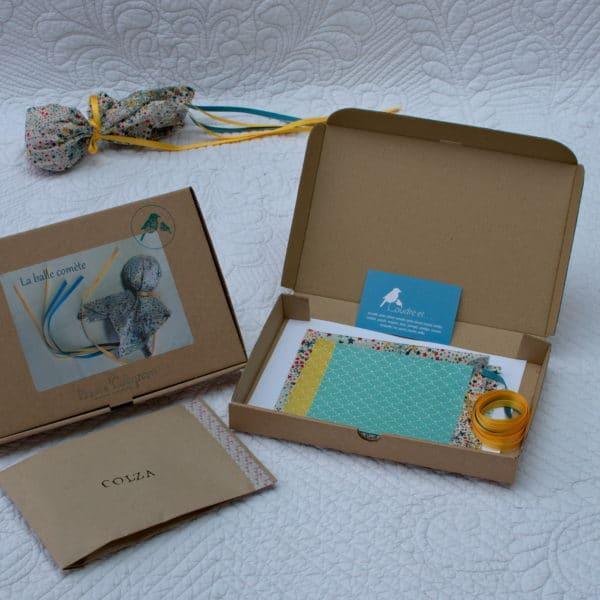 kit couture permettant de réaliser une balle remplie de graines de colza que l'on recouvre d'un carré de Liberty pour la faire virevolter dans le ciel