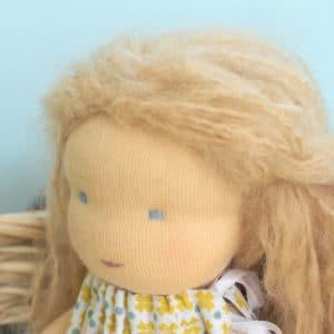 poupée Waldorf à faire soi-même grâce au kit Passiflore