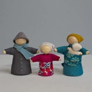 une famille de petits personnages Waldorf à faire soi-même