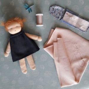 coudre le corps de la poupée Camomille
