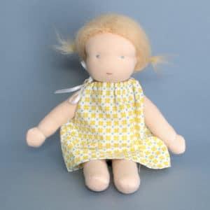 Camomille, poupée Waldorf à faire soi-même
