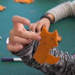 marionnette renard en cours de réalisation en atelier