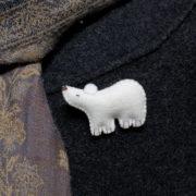 kit broche ours blanc en feutrine et laine cardée