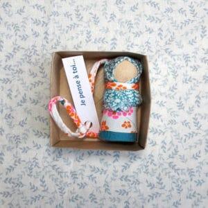 modèle de poupées mots doux à offrir comme cadeau de bienveillance