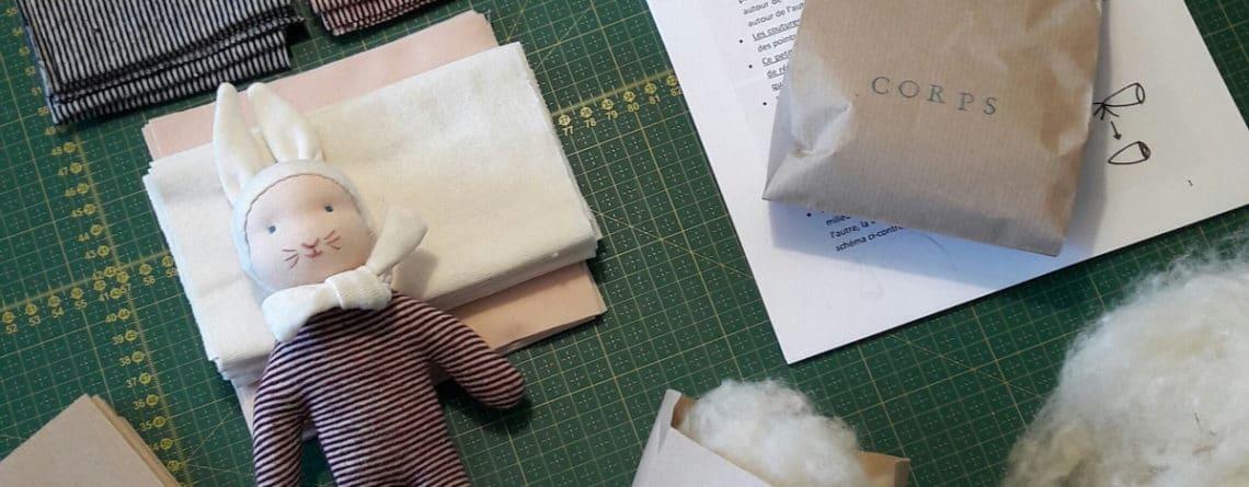 préparation des fournitures en vue de l'atelier Petit Lapin chez mua