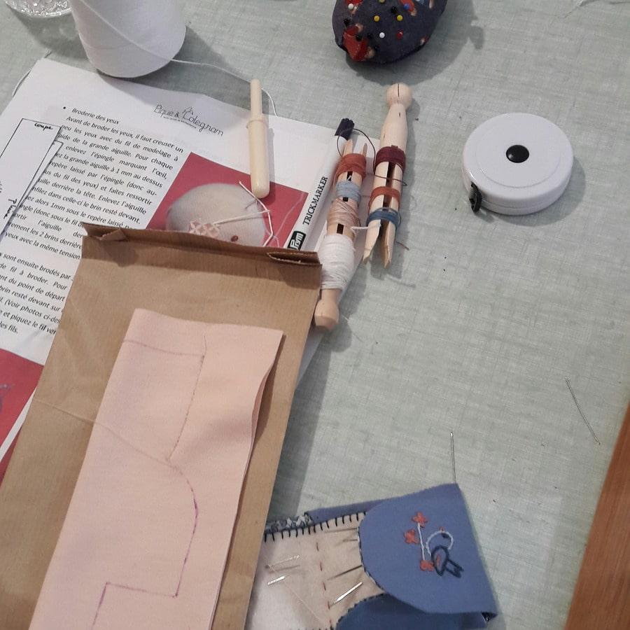 atelier Petit Lapin chez mua avec confection de têtes de poupées Waldorf