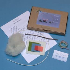 l'oiseau sur la branche, un kit Pique & Colegram contenant tout le matériel et les explications nécessaires
