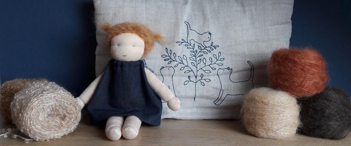 la laine Dolly Mo choisie pour les poupées Pique & Colegram