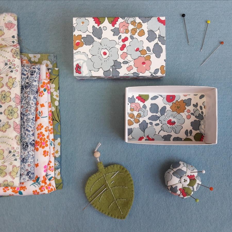mini boite à couture, un kit Pique & Colegram