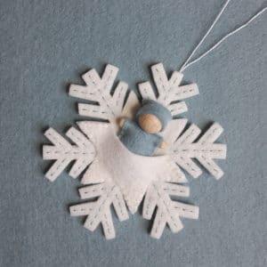 Le bébé flocon, un kit tout doux pour l'hiver, à réaliser chez soi ou lors de l'atelier Bébé Flocon!