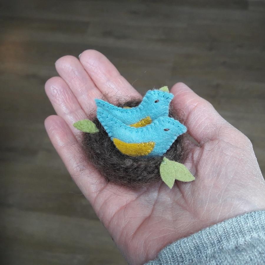 Atelier des oiseaux dans le nid avec Pique & Colegram