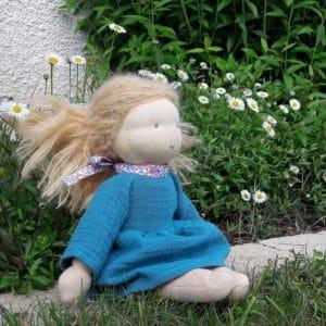 Robe Eloïse, un kit Pique & Colegram pour les poupées Waldorf