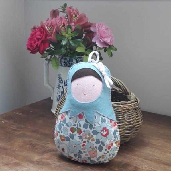 poupée musicale Betsy, un kit Pique & Colegram à faire soi-même