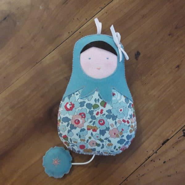 la poupée musicale betsy, un kit Pique & Colegram