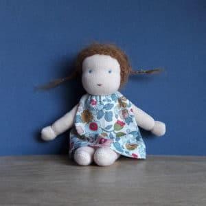 Pettie Centaurée, mini poupée Waldorf de 16cm, un modèle Pique & Colegram