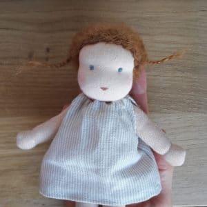 Petite Centaurée, poupée Waldorf confectionnée par Pique & Colegram