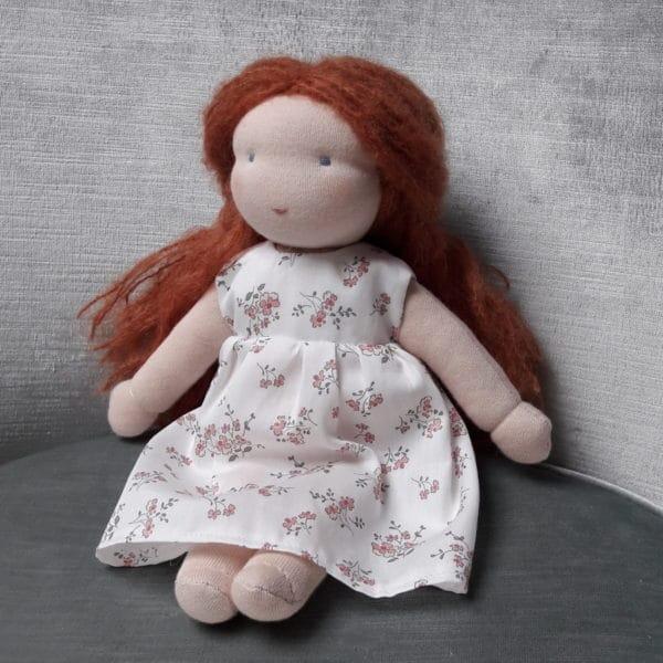 Violette, poupée Waldorf Pique & Colegram à réaliser chez soi ou lors du stage poupées Waldorf de Juin