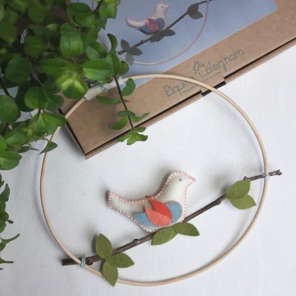 Atelier Oiseau sur la branche