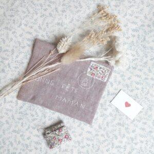 enveloppe mots doux rose, un kit Pique & Colegram